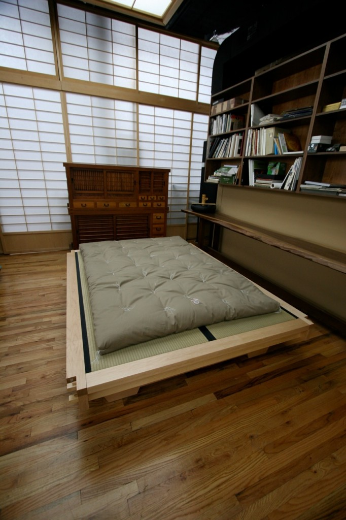 futon traditional